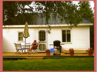 Doran Bay Resort - Cottages - St. Lawrence River - Iroquois vacation rentals