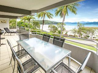 Nice Condo with A/C and Shared Outdoor Pool - Hamilton Island vacation rentals