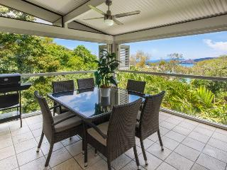 Perfect 3 bedroom Hamilton Island Apartment with A/C - Hamilton Island vacation rentals