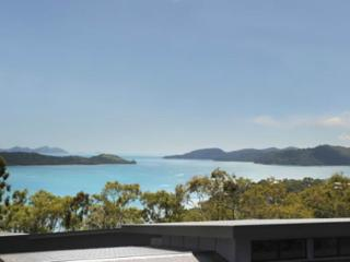 Perfect 3 bedroom Hamilton Island Condo with A/C - Hamilton Island vacation rentals