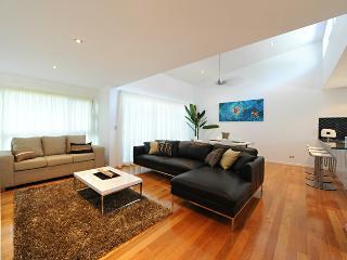 Perfect 2 bedroom Condo in Hamilton Island with Dishwasher - Hamilton Island vacation rentals