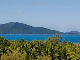 Perfect 3 bedroom Hamilton Island Apartment with A/C - Hamilton Island vacation rentals