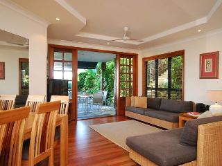 Comfortable 3 bedroom House in Port Douglas - Port Douglas vacation rentals