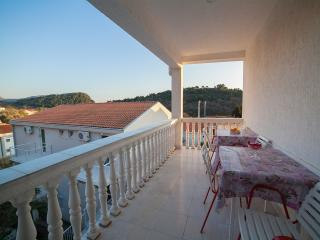 Guest house 4M - Studio (3 Adults) 1 - Petrovac vacation rentals
