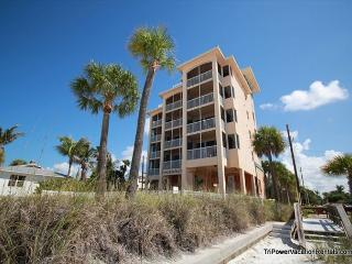 Nice Condo with Internet Access and A/C - Fort Myers Beach vacation rentals