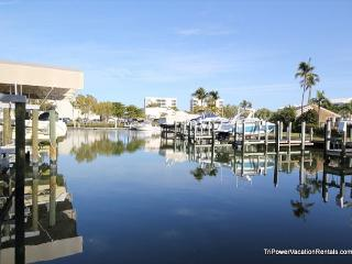 Nice Condo with Internet Access and Shared Outdoor Pool - Fort Myers Beach vacation rentals