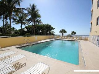 Gorgeous Condo with Internet Access and A/C - Fort Myers Beach vacation rentals