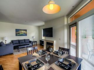 The Grove Hollywood 2bed apartment - Los Angeles vacation rentals
