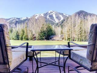 Stylish condo with private deck and golf-course views. - Ketchum vacation rentals