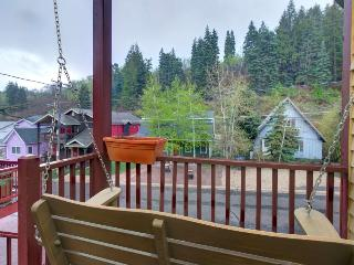 Colorful townhouse w/ hot tub, close to Main St. & slopes! - Park City vacation rentals