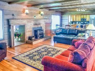 Spacious home, walk to lake, beach, and dunes! - Fort Bragg vacation rentals