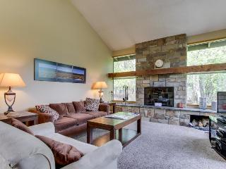 Mountain lodge with all the comforts of home, plus SHARC passes! - Sunriver vacation rentals