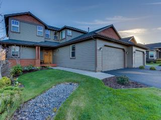 Upscale family home on golf course w/ shared pool & hot tub! - Redmond vacation rentals