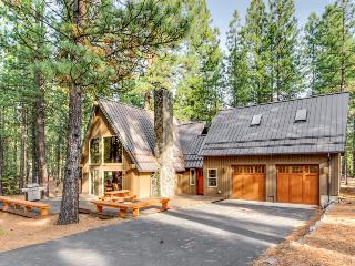 Gorgeous A-frame cabin on a 1/2 acre of land! Offers shared pool, hot tub, sauna - Black Butte Ranch vacation rentals
