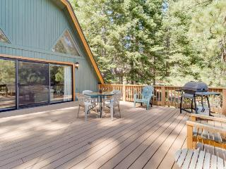 Family-friendly home with shared pool and access to the rec center! - Truckee vacation rentals