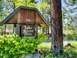 Shared hot tub & pool; steps from beach and trails! - Tahoe City vacation rentals
