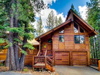 Huge pet-friendly lodge for families, resort amenities! - Truckee vacation rentals