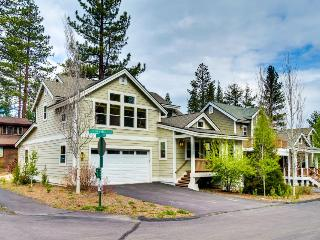 Room for the whole family, jetted tub, stone fireplace! - Truckee vacation rentals