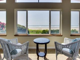 Stunning, dog-friendly oceanfront home with private hot tub, chef's kitchen - Rockaway Beach vacation rentals