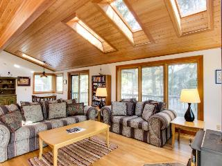 Dog-friendly cottage with close beach access, room for six! - Cannon Beach vacation rentals