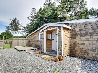 Cozy dog-friendly studio w/partial ocean views, enclosed yard! - Gold Beach vacation rentals
