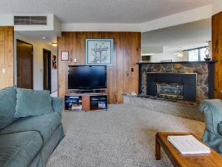 Shared sauna & pool, and unbeatable location steps from the beach! - Seaside vacation rentals