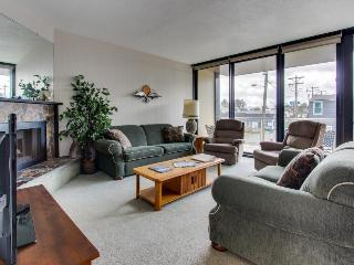 Dog-friendly condo on Promenade w/ shared pool & sauna - Seaside vacation rentals