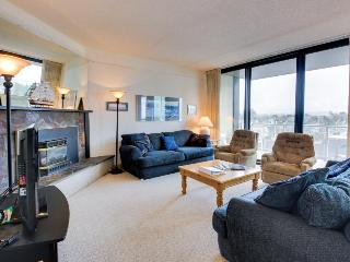 Lovely pet-friendly retreat for four just steps from beach! - Seaside vacation rentals
