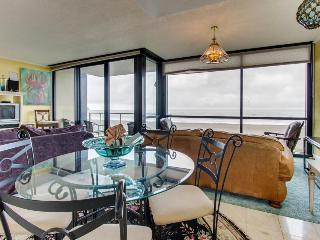 Oceanfront condo with shared pool and sauna, close to beach! - Seaside vacation rentals
