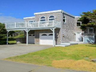 Oceanfront home with balcony, wood stove, and spectacular sea views! - Rockaway Beach vacation rentals