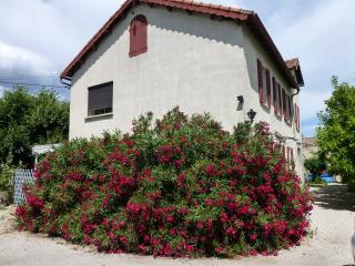 Studio indépendant dans villa sur Aubagne - Aubagne vacation rentals