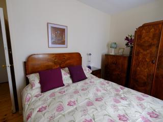 Comfortable 2 bedroom Condo in Inveraray with Internet Access - Inveraray vacation rentals