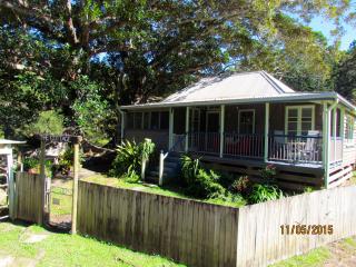 Ingleside Stud Farm Historical Settlers Cottage - Tallebudgera vacation rentals