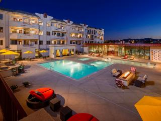 777RENTALS - The Lennox Penthouse - Hip Complex - Las Vegas vacation rentals