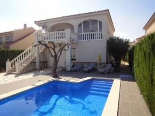 Nice Villa with Tennis Court and Washing Machine - L'Ampolla vacation rentals