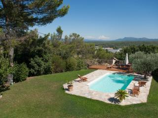 Amazing view ! Great house to gather in Provence - Greasque vacation rentals