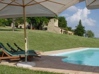 Perfect 6 bedroom Montespertoli Villa with Internet Access - Montespertoli vacation rentals