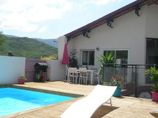 Perfect Gite with Internet Access and A/C - Tuchan vacation rentals