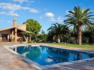 Nice Villa with Washing Machine and Private Outdoor Pool - Vinyols i Els Arcs vacation rentals