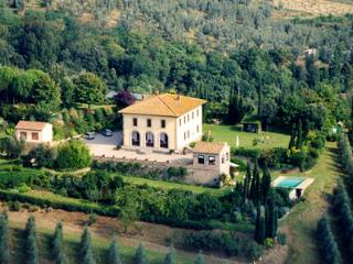 Adorable 5 bedroom Vinci Villa with Private Outdoor Pool - Vinci vacation rentals