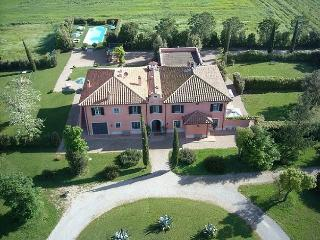 Lovely 7 bedroom San Donato Villa with Satellite Or Cable TV - San Donato vacation rentals