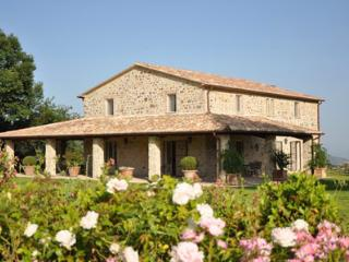 Lovely 6 bedroom Villa in Allerona with Internet Access - Allerona vacation rentals
