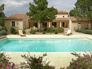 Cozy 3 bedroom Villa in Saint-Didier - Saint-Didier vacation rentals