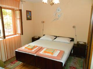 Romantic Selce vacation Private room with Internet Access - Selce vacation rentals