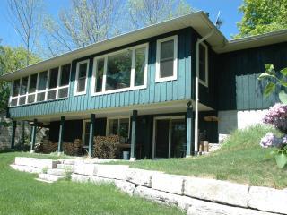 Stony Lake, Ontario - Turtle Bay Lodge - Woodview vacation rentals