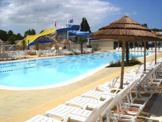 les CHARMETTES 4* Mobilhome 40m² avec terrasse - La Palmyre-Les Mathes vacation rentals