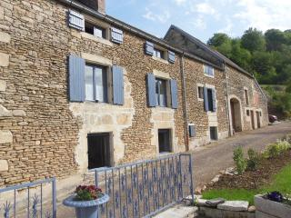 Nice Guest house with Internet Access and Central Heating - Aisey-sur-Seine vacation rentals