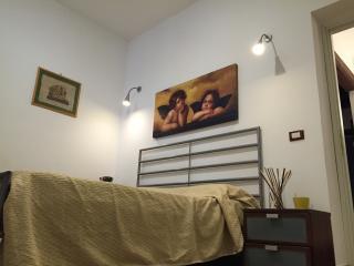 Chic&Cheap Palatine Apartment - Rome vacation rentals