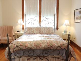 DeBourge House - Liberty - Washington vacation rentals