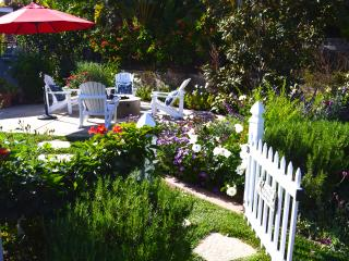 Stunning garden retreat in the heart of Encinitas. - Encinitas vacation rentals